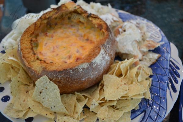 bread bowl dip thepaintedapron.com