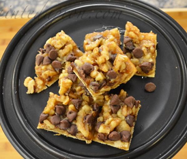 chocolate chip walnut shortbread bars thepaintedapron.com