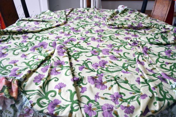 tablecloth fold
