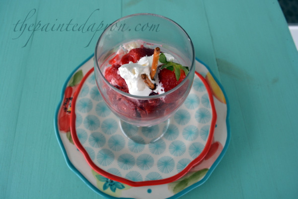 strawberry pretzel salad parfait