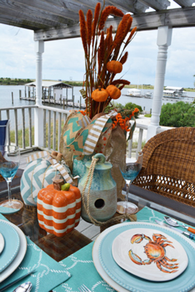 beach-table-for-eary-fall-thepaintedapron-com