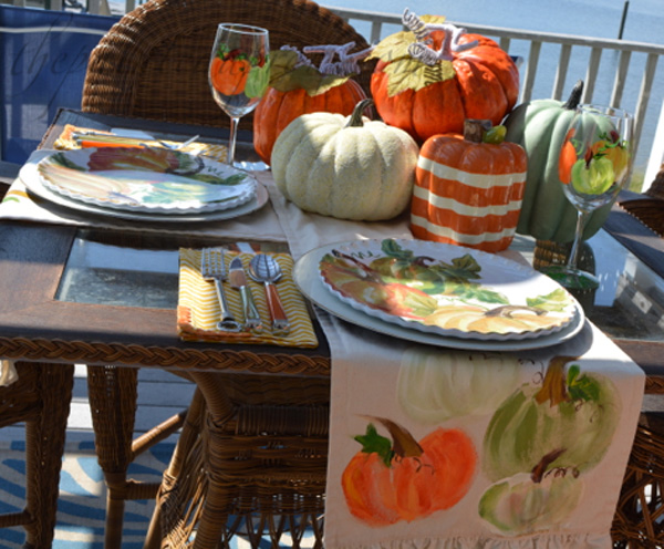 early-fall-pumpkin-table