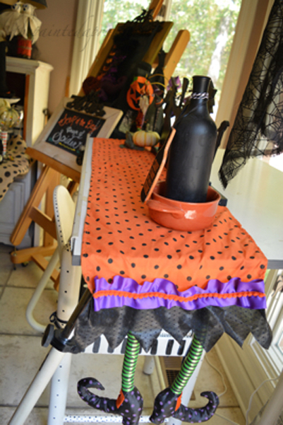 witch-leg-table-runner