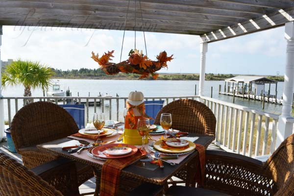 fall-at-the-beach-table