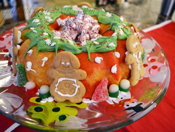 gingerbread-decorated-cake