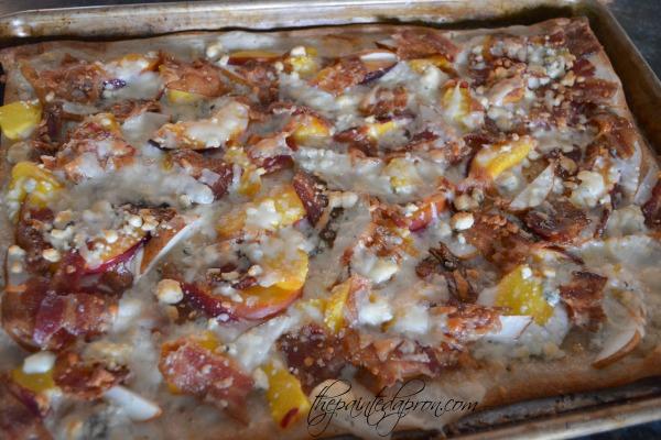 nectarine-bacon-pizza