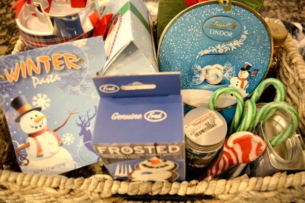 snowy-winter-basket