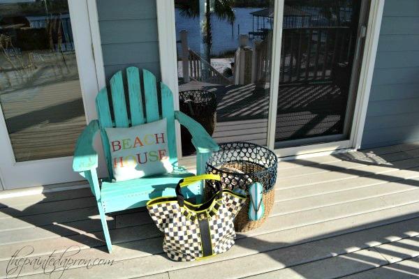 tote-on-porch