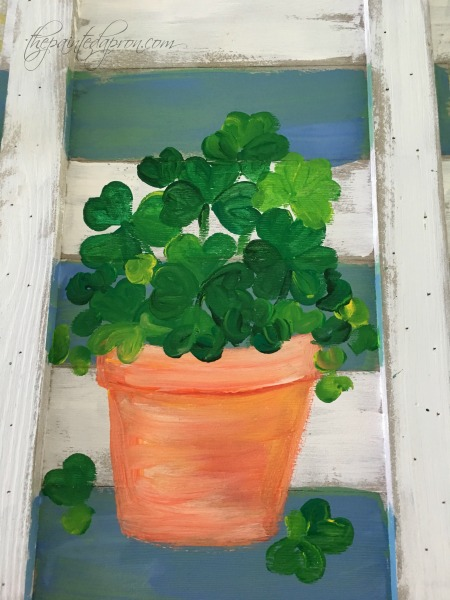 pot-o-shamrocks