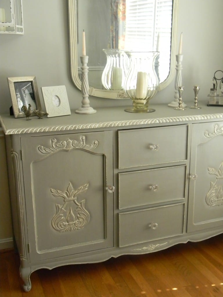 Paint Color Highlight  Annie Sloan French Linen and Old White