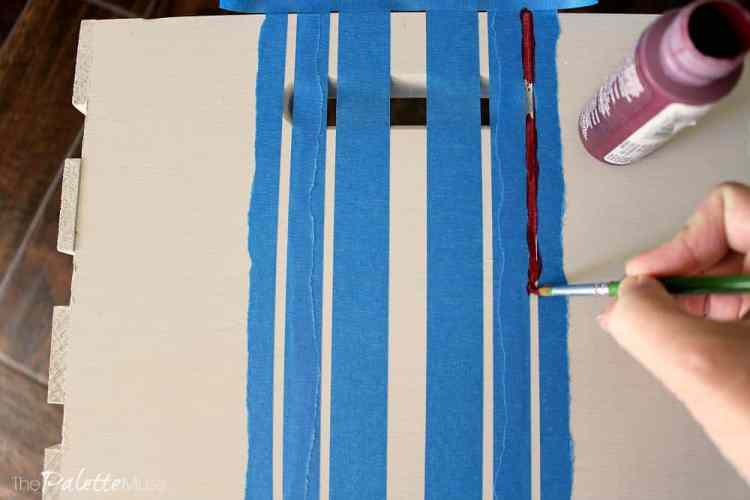Holiday-Crate-Painting-Stripes