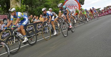 Racing by - Giro d'Italia 2013   ©Tom Palladio Images