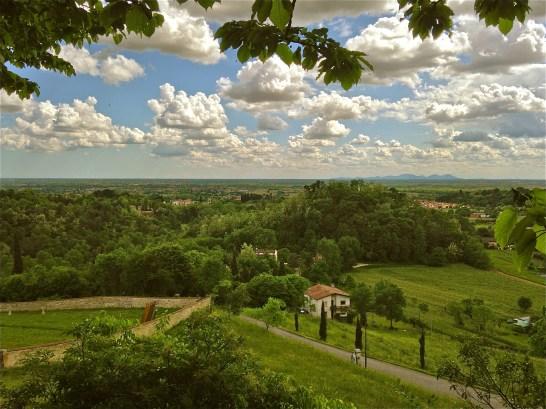 The hiils and skies are alive - San Zenone degli Ezzelini (TV), Italy | ©Tom Palladio Images