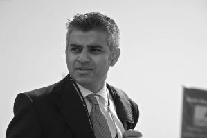 London Mayor pushing for 'Knife Control' policies in wake of stabbing epidemic​