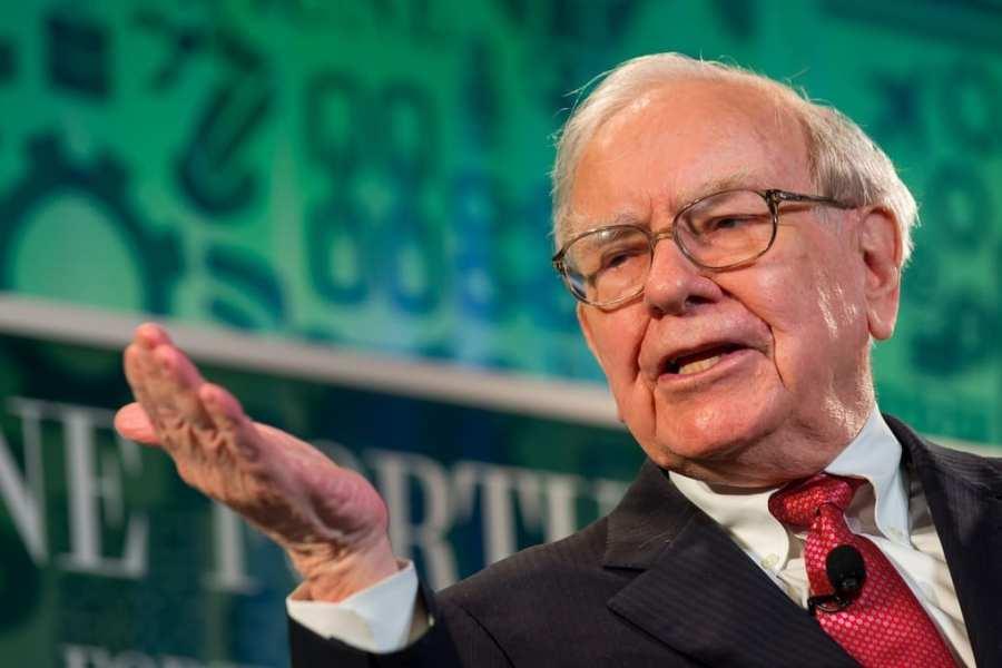 Warren Buffett: 'ridiculous' not to do business with gun manufacturers