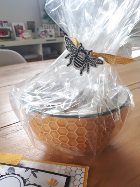 honey bee bowl