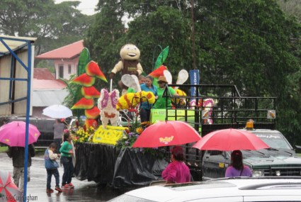 The floats begin to arrive.