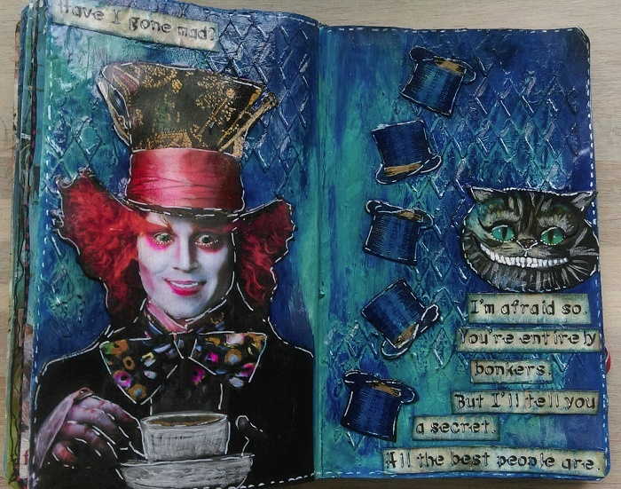 "Art Journal-side ""The Mad Hatter"" - Maria Bejlegaard, Danmark"