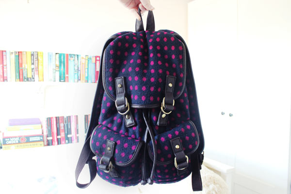 whats in my bag Accessorise backpack