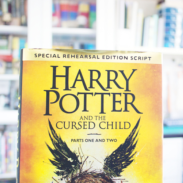 book cover of the Harry Potter and the Cursed Child screenplay