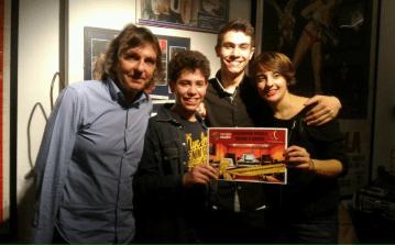 Gianni Togni assieme ai giovani vincitori di Folkstudio 2016: Nicolò Tosco, Daniele Tosco e Vittoria Protani