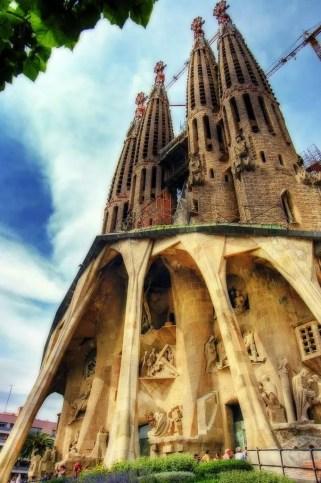 Sagrada Familia: https://www.flickr.com/photos/wolfgangstaudt/2051232504 Image credit: Wolfgang Staudt