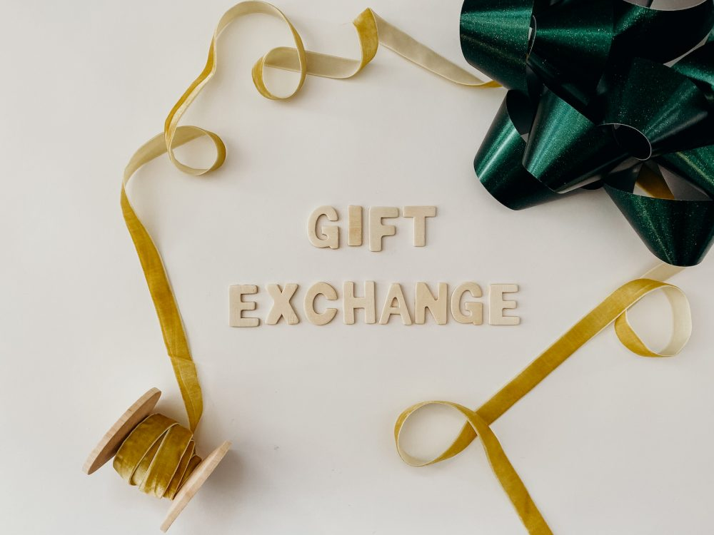Parent Cue Gift Guide | Gift Exchange
