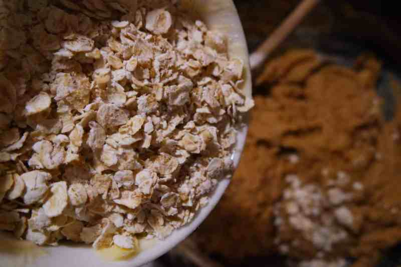 A bowl full of oats.