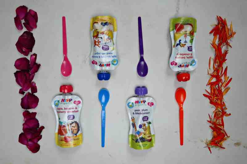 HiPP pouches and coloured spoons