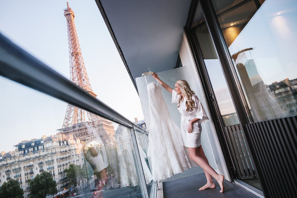 How to choose the perfect wedding dress for your Paris Wedding