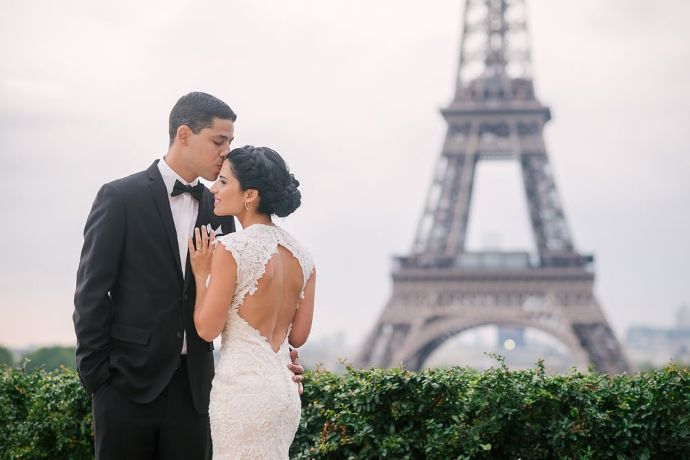 Paris Elopement Photographer - The Paris Photographer - Fran Boloni