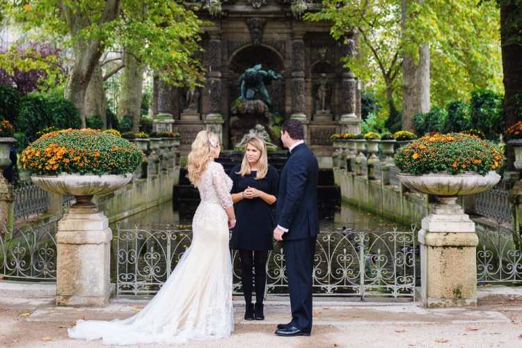 Paris officiant conducting a symbolic wedding ceremony in the Luxembourg Gardens