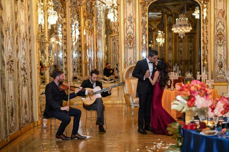 Paris wedding musicians - Adrian Delmer violinist in Paris