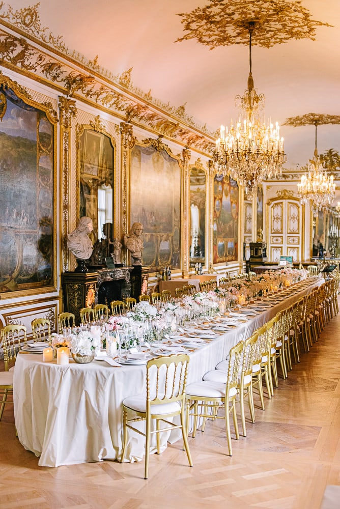 Wedding decor by CTH Events Paris at the Chateau de Chantilly - June wedding 2017