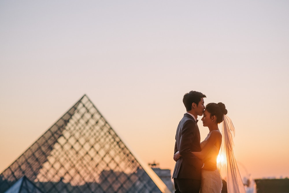 pre wedding photo package paris - The kiss on the forehead (2)