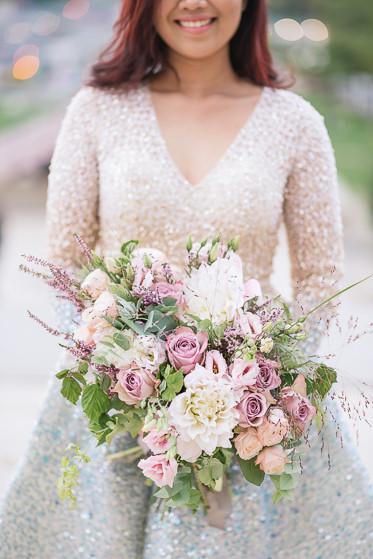 pre wedding photoshoot props - flowers