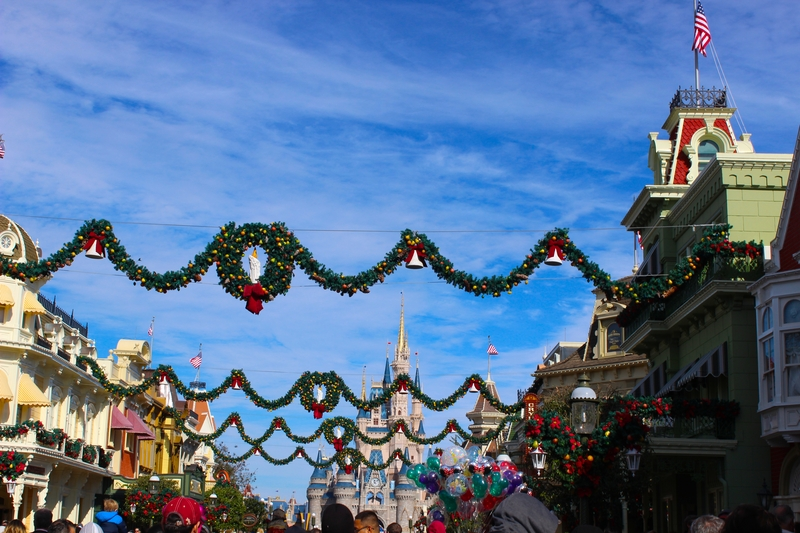 When Does Disney Decorate For Christmas Our 2020 Christmas Guide
