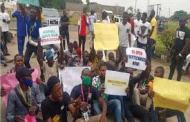 Nigerian Students Protest School Closure