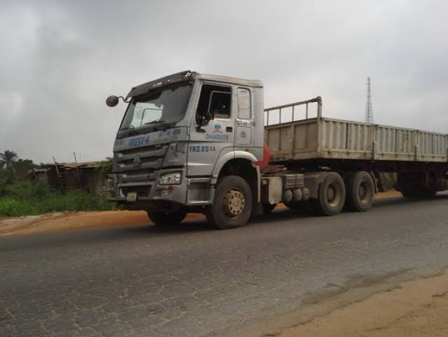 Many Feared Dead as  Dangote Truck Rams into Shops
