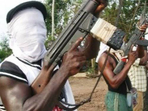 Suspected Gunmen Set ablaze Federal High court in Ebonyi