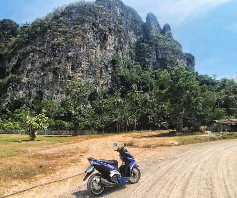 rent a scooter in krabi