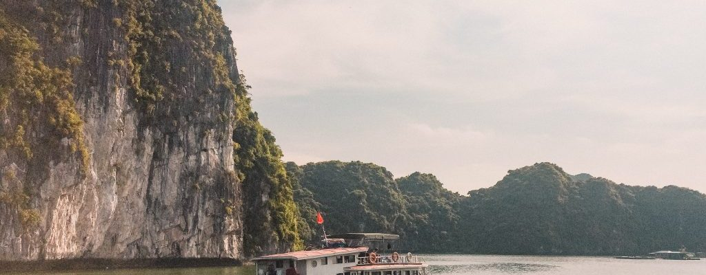 ha long bay vietnam tour