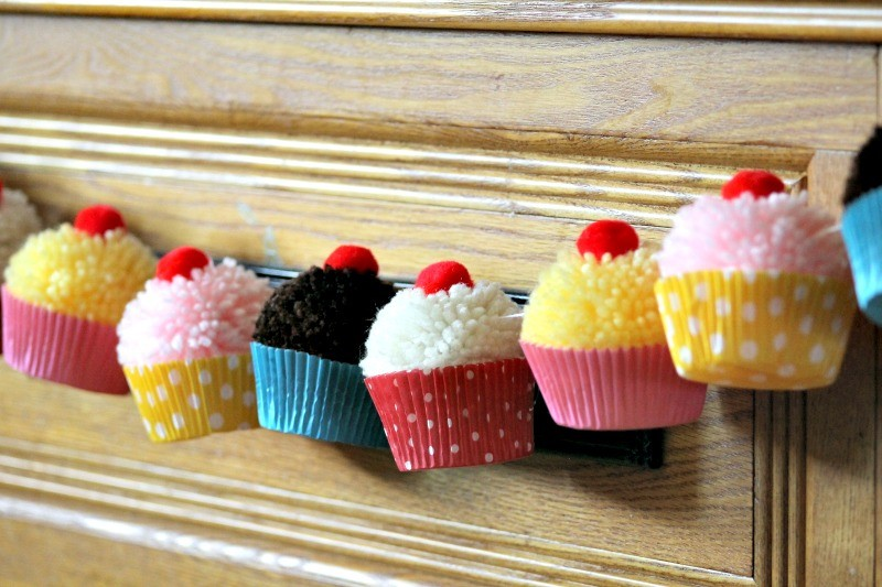 Retroinspired Cupcake Decorating Party {9th Birthday Party}