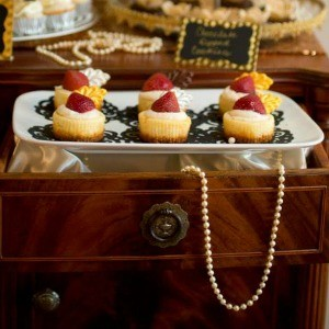 Guest Party Great Gatsby Dessert Table