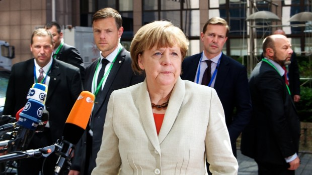 Merkel-euco-refugee-April-2015-b-001