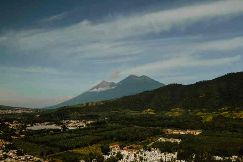 antigua volcano acatenango