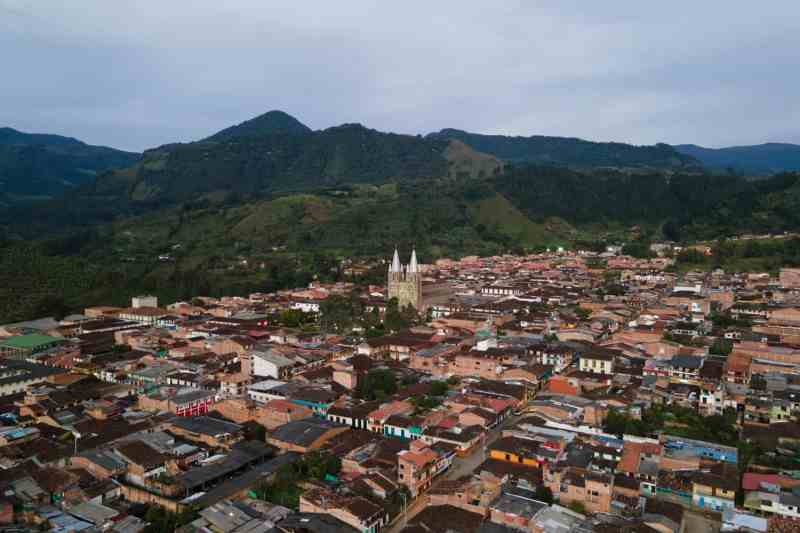 colombia road trip medellin