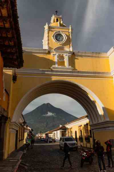 places to eat in antigua guatemala