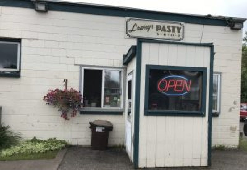 pasty, pasty review, pasties, pasty guy, pasty trail, ishpeming, lawry's pasty shop
