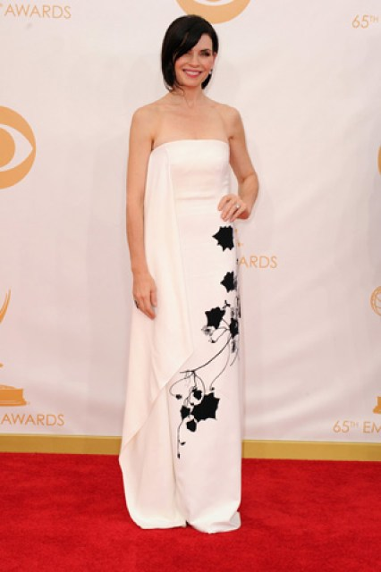 2013-emmy-awards-red-carpet-julianna-margulies